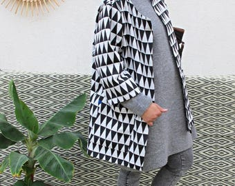 Trench oversize black and white triangles pattern