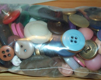 SALE: 1 POUND assorted vintage buttons Unsorted
