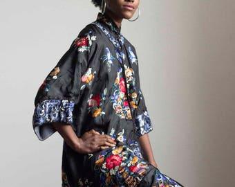 1920s Chinese Embroidered Silk Jacket // Size Medium