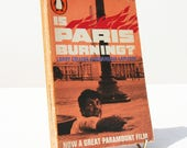 Is Paris Burning History  French world war two Vintage Penguin paperback 1965 Illustrated