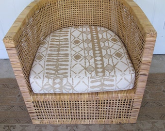 Beautiful Vintage Modern Rattan Woven Chair with Seat Cushion