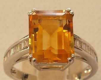 18 K white gold diamond and citrine ring