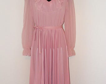 Vintage 1970s Pink Ruffled & Pleated dress by Riccardo in size 12