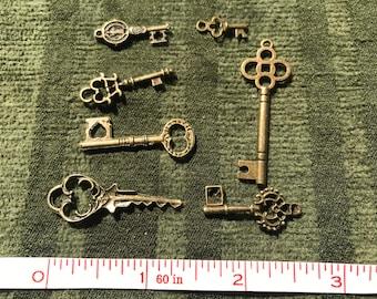 Vintage style 7 pc keys for embellishing needs
