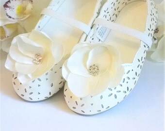 Flower Girl Shoes, First Communion Shoes, Girls Shoes, Girls Dress Shoes, Flower Shoes, Eyelet Shoes, Flower Shoe Clips