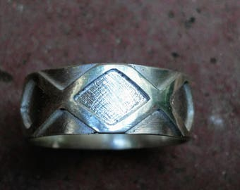 Gothic Men's Custom Wedding Ring