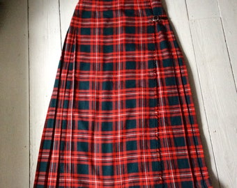 Vintage ladies tartan maxi kilt by Borderglen waist 33 /34 ins , traditional kilt, red & green tartan.