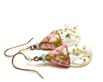 Real flowers in resin earrings, Real flower ceramic bell earrings, resin flower jewelry, dried flower earrings, gardeners gift, gift for her