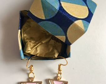 Earrings plated 18K Gold pink triangle