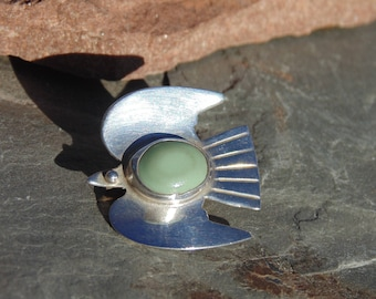 Vintage Mexican Sterling Silver Bird with Green Stone Pin / Brooch with C Clasp - c. 1940's