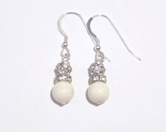 White Pearl earrings, bridal earrings, pearl earrings, dangle earrings, bridal gift, drop earrings, earrings, bridal jewelry