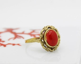 Red coral from Corsica on 14 k gold ring