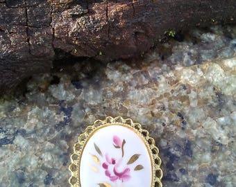 Vintage Flower Pin/Cranberry Flower Vintage Pin/Pink Flower and Gold Pin/Oval Vintage Flower Pin/Flowered Oval Brooch/Vintage Brooch