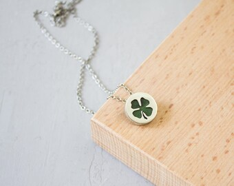 Four leaf clover charm / Clover necklace / Shamrock necklace / Silhouette jewelry / Botanical  jewelry / Symbolic jewelry / Gift for women