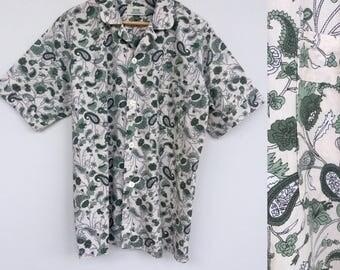 Vintage Green Paisley Shirt, Green Shirt, Holiday Shirt, Short Sleeved Shirt, Retro Shirt, Hipster Shirt, Size L