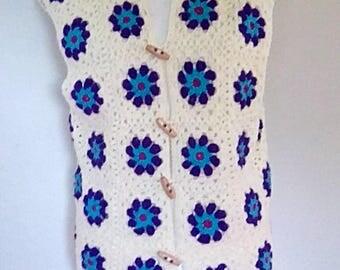 Vintage crochet top vest waistcoat floral hand knit 60s 70s floral  size large to XL