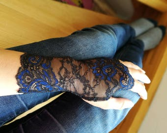Lace Fingerless Gloves, Black and Navy Bloue  Floral Gloves - Fall, Wedding, Gothic, Regency, Tribal, Bellydance, Goth Bridesmaid Vampire