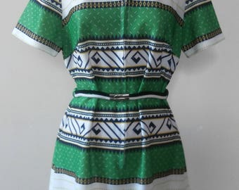 """Vintage Early 1970s Green, Navy & White Printed Day Dress UK Size 16 to 40"""" Bust"""