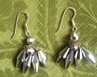 Vintage 1960s 1950s silver reflective faceted earrings