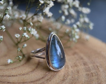 Labradorite Ring, Sterling Silver Ring, Boho Ring, Size 9 Labradorite, Handmade Jewelry, Gemstone Ring, Gift for women, Blue silver ring