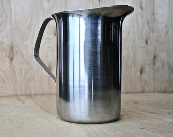 Vintage Stainless Steel Water Pitcher/c. 1970s/ 72 oz/9 cup Pitcher/ Stainless Beverage Server/ Water Jug