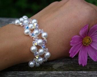 Swarovski Pearl Bracelet Pearl and Crystal Bracelet Wedding Bridal Bridesmaid Swarovski Bracelet Mother of the Bride Pearl Bracelet