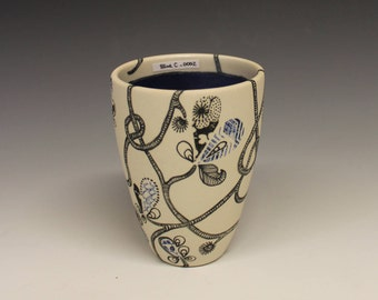 Small Tumbler with Royal Blue Interior and Hand Drawn Vine Exterior: Small_BlueC_0002