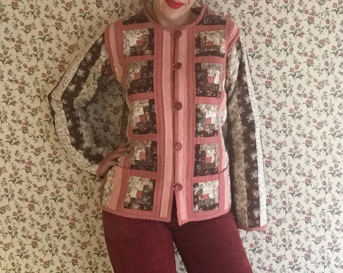 Log Cabin Jacket | quilted pink mauve floral print button up box cut o neck womens vintage handmade quilt pattern coat medium M large L