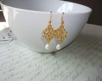 Filigree freshwater pearl drop gold earrings