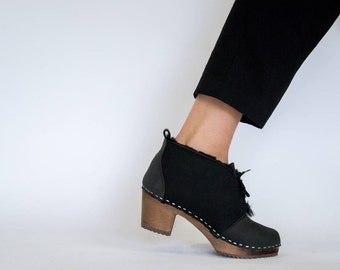 Sale / Womens Shearling Boots / Clog Boots / Womens Wool Shoes / Wooden Heel / Leather Boots / Boots / Boots for Women / Sandgrens / Chukka