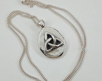 Triquetra Necklace in Sterling Silver, Silver Triquetra Pendant, Celtic Jewelry, Silver Celtic Knot Necklace, Celtic Triquetra jewelry