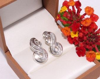 Diamond Earrings. Gold and Diamond Earrings. Infinity Earrings.  White Gold Diamond Studs. 585 14k Gold Earrings. Vintage Women's Jewelry