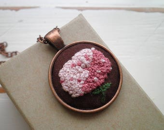 Embroidered Necklace - Pink Hydrangea Embroidery Necklace - Mauve Flower Fiber Art Boho Nature Jewelry - Retro Garden Floral Bohemian Gift