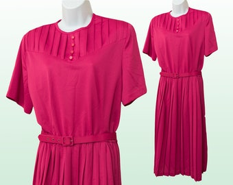 XL - Vintage pink shirt dress with pleating and button details.