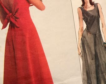 Gorgeous Vogue Paris Original Deep V-Back Dress Pattern by Mantana---vogue 2507---Sizes 6-8-10  Bust  30 1/2 Thru 32 1/2