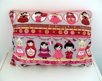 Child cushion with russian dolls in cotton and velvet