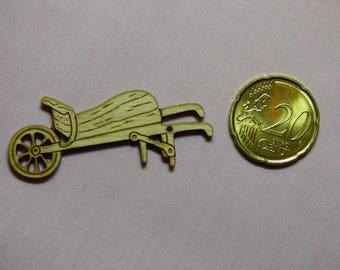 Wooden wheelbarrow ref 436 B button