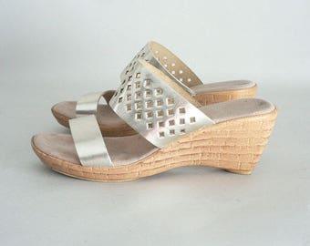 Women 7.5 High Wedge Sandals Gold Metallic