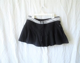 SALE 90s Flirty Pleated Mini Skirt
