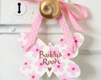 Butterfly shape personalised door hanger, little girls bedroom sign, hand painted wooden door sign, butterfly decoration for the home, pink