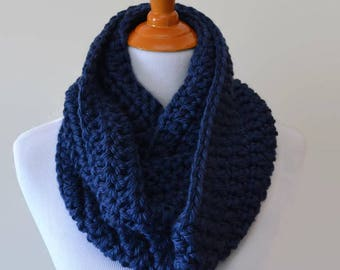 Navy Blue Crochet Infinity Scarf, Knit Scarf, Dark Blue, Cowl Scarf, Chunky Scarf, Winter Scarf, Circle Scarves, Gift Ideas for Her