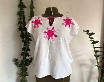 Vintage mexican embroidery blouse, Size S / M / L