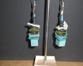 Earrings light blue square beads 41