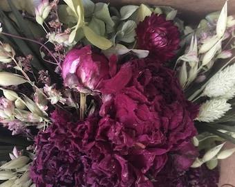 Bloomery Blend No. 0015: Mini Natural Flowers, Hydrangea Petals & Peony Flower Heads /  Burgundy - Green - Purple