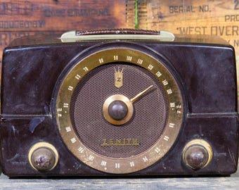 Vintage Radio Mid Century Radio Zenith Model K725 Bakelite Walnut Tube Radio Industrial Art Deco 1950s Home Decor AM FM Radio Movie Prop