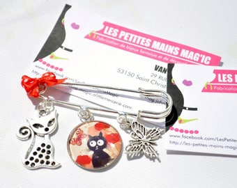 retro cat and Butterfly brooch