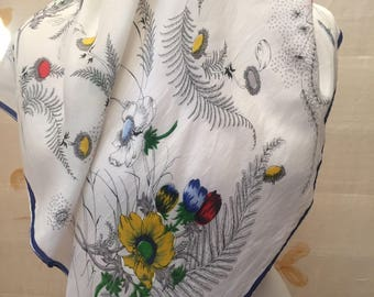 Stunning 1950s pure silk Gucci style floral scarf.