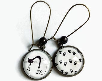 dangling earrings * oh my cat! * black white, glass cabochon