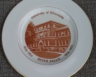 University of Wisconsin  RIVER FALLS 1874-1875 1974-1975 Collectors /souvenir/Plate/South Hall/badgers/Madison/Bucky/Alumni/tailgate
