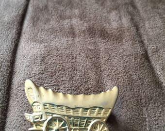 Vintage Goldtone Covered Wagon Design Pin/Brooch